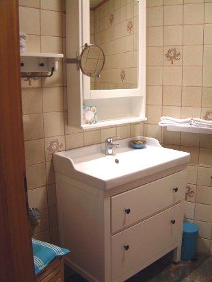ferienwohnung im atelier hof oberotweil kaiserstuhl bei freiburg willkommen. Black Bedroom Furniture Sets. Home Design Ideas